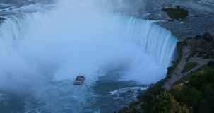 马掌天线在尼亚加拉瀑布,加拿大4K落 股票视频