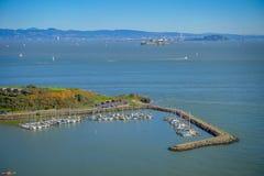 马掌海湾美好的风景看法在旧金山 免版税库存图片