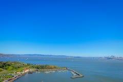 马掌海湾美好的风景看法在旧金山 库存照片