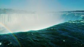 马掌秋天的引人入胜的视域 水和彩虹漏斗  普遍的尼亚加拉瀑布,加拿大` s自然 影视素材