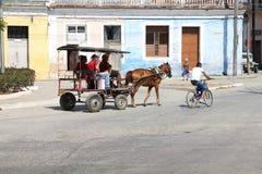 马推车,古巴 库存照片