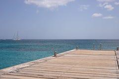 马提尼克岛海岛海和码头 免版税库存图片