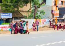 马杜赖,印度- 2月15 :未认出的女孩和男孩 免版税库存照片