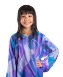 马来的传统礼服的IX年轻亚裔女孩 图库摄影