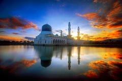 马来西亚婆罗洲亚庇Likas清真寺 免版税图库摄影