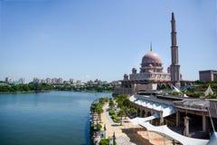 马来西亚清真寺putra putrajaya 免版税库存图片