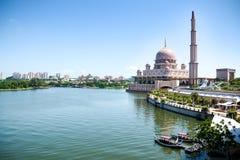 马来西亚清真寺putra putrajaya 库存照片