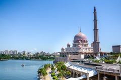 马来西亚清真寺putra putrajaya 图库摄影