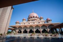 马来西亚清真寺putra putrajaya 免版税库存照片