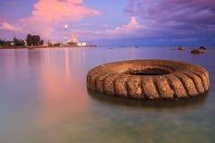 马来西亚 在天然碱甲醇纳闽的日落 库存照片