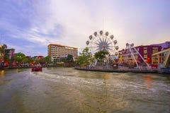 马来西亚- 3月23 :在Melaka河河岸的马六甲眼睛2017年3月23日的马来西亚 马六甲被列出了成联合国科教文组织 免版税库存照片