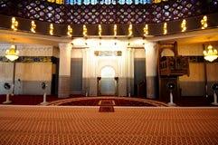 马来西亚a的全国清真寺的内部 K Masjid Negara 库存图片