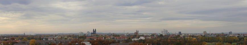 马格德堡,萨克森Anhalt,德国全景,在11月 库存照片