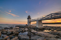 马歇尔点灯塔反射处于低潮中 免版税库存照片