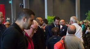 马泰奥Slavini在与平民和新闻的一次衣服会议 图库摄影
