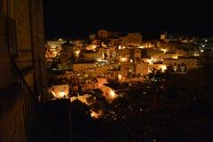 马泰拉在意大利南部的夜之前 库存照片