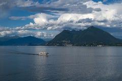 马焦雷湖看法从斯特雷萨的 意大利 免版税库存照片