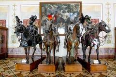 马的中世纪骑士在状态的骑士'大厅他 免版税库存照片