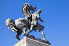 马的古铜色雕象温驯在维也纳 图库摄影