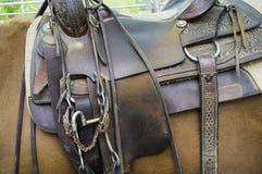 马的马鞍,细节 颜色女儿图象母亲二 库存照片