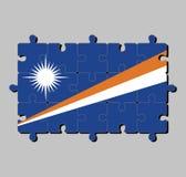 马绍尔群岛旗子拼图在蓝色领域的与两对角条纹橙色和白色和大白色星 向量例证