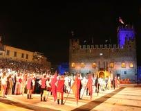 马罗斯蒂卡, VI,意大利- 2016年9月9日:在嘘期间旗手 库存图片