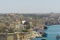 马耳他La瓦莱塔,港口的全景 免版税库存照片