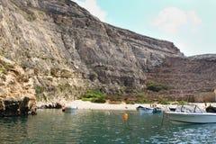 马耳他,戈佐岛海岛, Dwejra内部盐水湖全景  免版税图库摄影