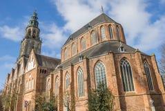 马蒂尼鸡尾酒教会和塔在格罗宁根的中心 库存图片