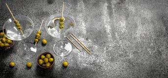 马蒂尼鸡尾酒橄榄 免版税图库摄影