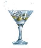 马蒂尼鸡尾酒用橄榄 免版税库存图片