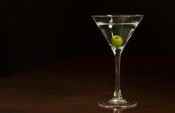 马蒂尼鸡尾酒鸡尾酒唯一glasss  图库摄影