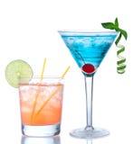 马蒂尼鸡尾酒鸡尾酒蓝色夏威夷和黄色玛格丽塔酒 免版税库存照片