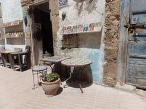 马赛克在一条街道上反对在索维拉,摩洛哥 免版税库存图片