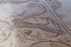 马赛克的片段在一个地板上的在Kfar阿杜米姆附近的厚道人博物馆在以色列 图库摄影