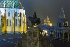 马赛厄斯教会在晚上在布达城堡 库存照片