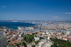 马赛市和口岸空中全景  免版税图库摄影