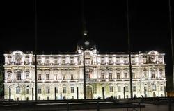 马赛,法国专区的大厦的夜视图  免版税库存图片