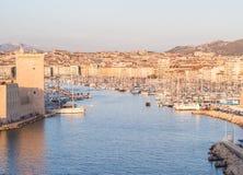马赛,法国老Vieux港,日落的 库存图片