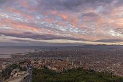 马赛,法国- 2017年10月02日:鸟瞰图马赛旧港口早晨 库存照片