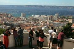 马赛,法国- 2014年7月01日 看马赛的游人 免版税库存照片