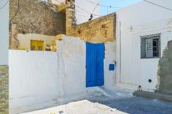 马赫迪耶,突尼斯破旧的住房  免版税库存照片