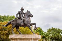 马车手雕象在斯科普里的中心 免版税库存图片