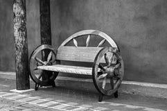 马车车轮长凳亚伯科基新墨西哥 库存图片
