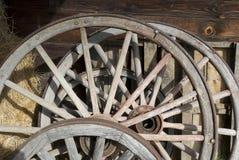 马车车轮 免版税库存照片