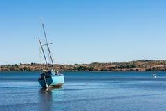 马达加斯加人的单桅三角帆船 免版税图库摄影