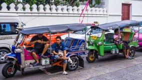 马达自行车人力车司机 库存图片