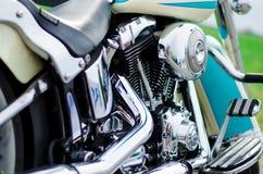 马达自行车发光的镀铬物细节 库存图片