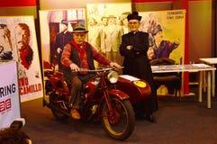马达自行车商展,人们 免版税库存图片