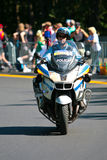 马达自行车的加拿大警官 免版税图库摄影